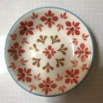 陶器製の小皿はセリアが種類も豊富で可愛くておすすめ