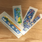 セリアのトミカ絆創膏は可愛いおすすめの絆創膏で子供もお気に入り