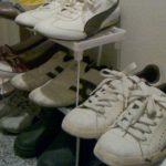 100均で靴棚DIYはセリアのシンク下整理棚で簡単シューズラックに変身